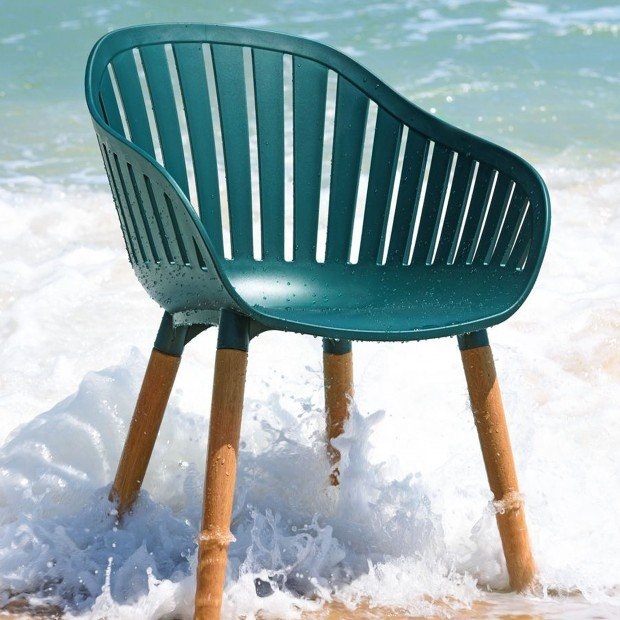 This Chair Is Amazing! Why?  Because It's Made From 3 Kilos Of Plastic Sea Debris!